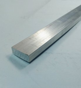 "Barra Chata Aluminio 1"" x 1/2"" (2,54cm X 1,27cm)"