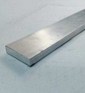 "Barra Chata de Aluminio 1.1/2"" x 3/8"" (3,81cm X 9,52mm)"