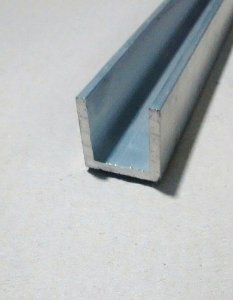 Perfil U De Aluminio 1 X 1/8 = (2,54cm X 3,17mm)