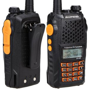 RADIO BAOFENG PORTABLE TWO-WAY  :UV-6R