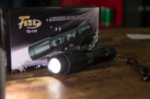 Lanterna de LED Recarregavel - TAUE TD-133