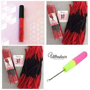 Combo de 02 Curly Tube cor Ombré Preto com Vermelho Lacre + 01 Batom Líquido Matte Cor Kiss Me (Vermelho) + 01 Agulha para Crochet Braids