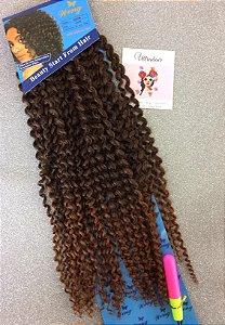 Fibra Weng Cacheada longa para Crochet Braids - Cor Ombré Castanho com Castanho Médio - 130 Gramas - 50cm - VEM COM 01 AGULHA PARA CROCHET BRAIDS DE BRINDE!!!