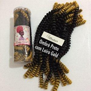 CURLY TUBE - FIBRA PARA CROCHET BRAIDS - COR OMBRÉ PRETO COM LOIRO GOLD 200 Gramas (Tamanho: 45cm Fechado - 90cm Aberto)