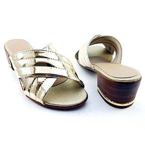 Sandália Salto Baixo Tiras Trançadas Douradas Espelhadas Salto Amadeirado C25-222