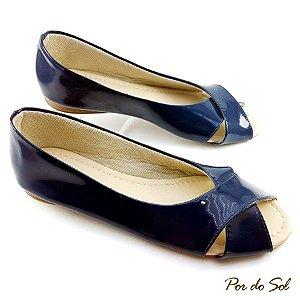 Sapatilha Peep Toe Azul Marinho em Verniz com Tiras Trançadas - D02-0775