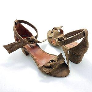 Sandália em Tecido Suede Ocre com Salto Bloco Baixo - E21-292