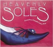 Livro Heavenly Soles: Extraordinary Twentieth-century Shoes Autor Mary Trasko (1989) [usado]