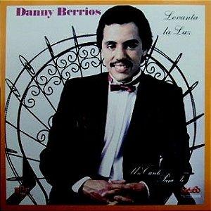 Daany Berrios- Levanta la luz/ Um canto para ti