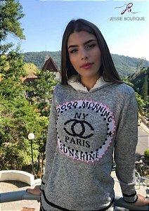 Blusa de Lã com Capuz Forrado Paris