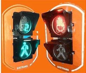 Semáforo para pedestre com temporizador regressivo na cor verde,