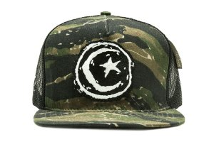 BONÉ TRUCKER FOUNDATION CAMUFLADO