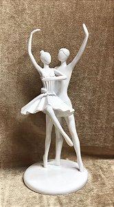 Casal de bailarinos de resina