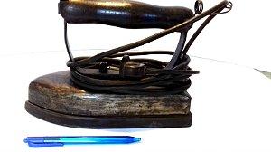 Ferro de passar roupa antigo - ferro de alfaiate - 6kg