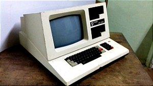 CP500 Computador antigo Prológica - CP-500 TRS80