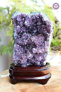 Drusa Especial de Ametista com Suporte 1.1kg | Cristal de Proteção, Transmutação e Comunicação Divina