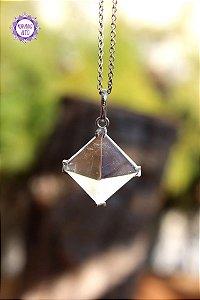 Pingente Pirâmide de Quartzo (Prata 950) 3g | Cristal de Limpeza, Purificação e Cura