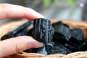 Turmalina Negra Bruta (de 2 a 4cm a unidade)| Pedra de Proteção e Purificação