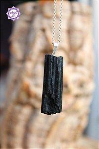Pingente Grande de Turmalina Negra Bruta (Pino Prateado) aprox. 6g | Pedra de Proteção e Purificação!