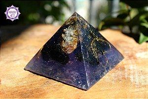 Orgonite Pirâmide para Transmutação das Energias do Ambiente e Proteção