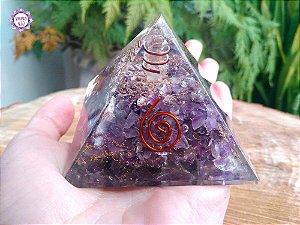 Orgonite Pirâmide Ametista e Quartzo | Limpeza e Transmutação das Energias do Ambiente