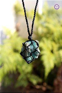 Castroado de Esmeralda com Cordão Ajustável | Pedra do Amor Divino, Cura e Prosperidade