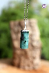 Pingente Canudo Esmeralda (Prata 950) - Pedra de 2020 | Pedra do Amor Divino, Cura e Prosperidade