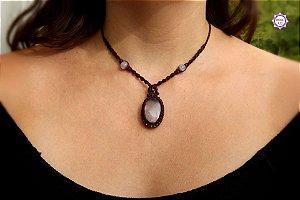 Colar Amuleto em Macramê com Quartzo e Ametista|Cordão Ajustável