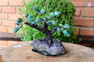 Árvore de Quartzo Verde M com 15cm base Drusa de Ametista 866g | Cristal de Cura e Limpeza Emocional
