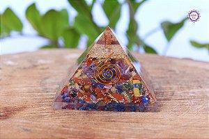 Orgonite Pirâmide 7 Chakras com Ponta de Quartzo | Harmonização dos Principais Chakras do Corpo
