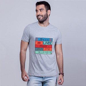 Camiseta Deus Me Livre Mescla