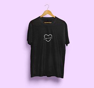 Camiseta Se Eu For Aí e Achar Preta