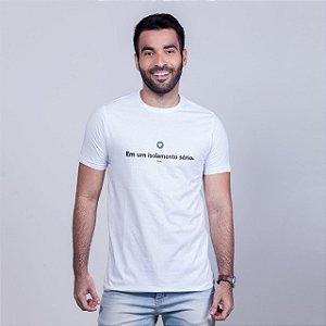 Camiseta Branca Isolamento Sério