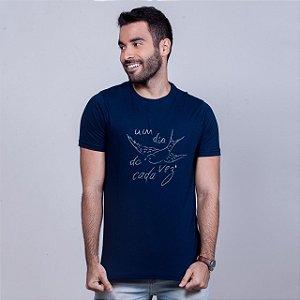Camiseta Um Dia de Cada Vez Marinho