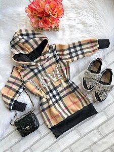 Vestido em soft inspired Burberry LOVE