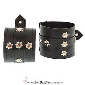 Bracelete sado estrela couro sintético detalhes em metal e fivelas