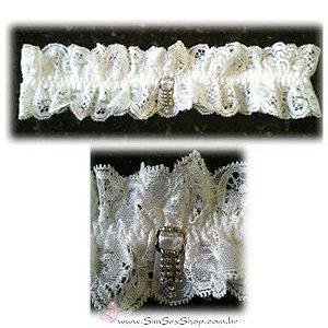 Persex em renda Guipure com pingente com 20 pedras de strass cor branca