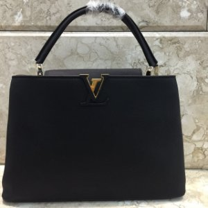 Bolsa Louis Vuitton Capucines MM Tote Black