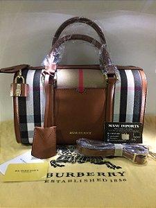 Bolsa Burberry Baú