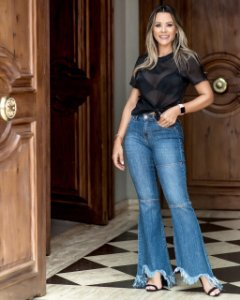 Calça Jeans Flare Tuane Bebella