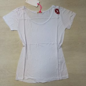 T-Shirt Beijinho No Ombro Siss