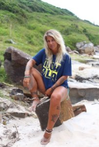 Camiseta azul/amarelo mohala