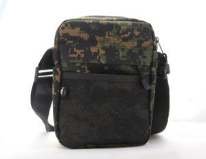 SHOULDER BAG MNS RIP STOP CAMU - STREET