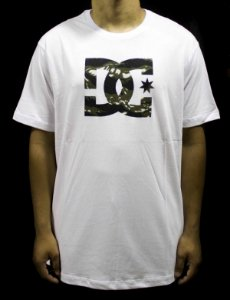CAMISETA DC SHOES BAS STAR LOGO CAMU- BRANCA