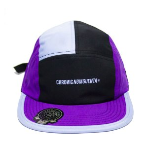BONÉ CHRONIC FIVE PANEL RECORTE COLOR LOGO