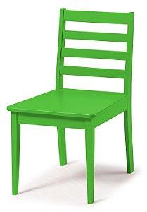 Cadeira Imperial com Encosto Ripado e Acento na Cor Verde Limão