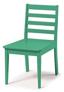 Cadeira Imperial com Encosto Ripado e Acento na Cor Verde
