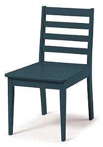Cadeira Imperial com Encosto Ripado e Acento na Cor Azul Marinho