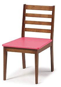 Cadeira Imperial com Encosto Ripado Marrom  e Acento na Cor Pink