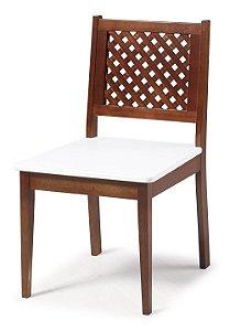 Cadeira Imperial com Encosto em Treliça e Acento na Cor Branco
